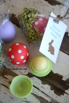 This is the cutest Easter Gift ever! Can't wait to go buy a bulk pack from Costco and make some for my friends and sisters! #yearofcelebrations #easter