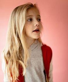 Jennie Lisboa Beautiful Little Girls, Beautiful Children, Fashion Face, Girl Fashion, Cute Baby Girl Pictures, Preteen Girls Fashion, Cute Girl Dresses, Kid Poses, Jennie