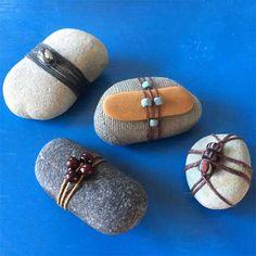 September Wrapped Beach Stones & Talisman Pouch with Julie Booth Rock Jewelry, Stone Jewelry, Jewelry Bracelets, Jewellery, Zen Rock, Rock Art, Stone Crafts, Rock Crafts, Pierre Decorative