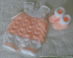 Hand knitting Set in white and apricot от RenisDesignermodelle Crochet For Kids, Crochet Baby, Knit Crochet, Knitting Patterns, Crochet Patterns, Toy Craft, Free Baby Stuff, Baby Knitting, Little Ones