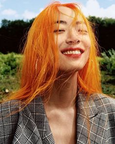 Model-Musician Rina Sawayama Is a Star On the Rise - - Model-Musician Rina Sawayama Is a Star On the Rise Fave Hair/Makeup/Skincare Products With a retro-tinged sound and an ever-evolving beauty look, Rina Sawayama's star is on the rise. Hair Inspo, Hair Inspiration, Pretty People, Beautiful People, Grunge Hair, Green Hair, Pretty Hairstyles, Pretty Face, Dyed Hair