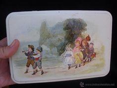 Caja hojalata Massilly francesa preciosa ilustración niños jugándo a bodas ( vendida, sold)