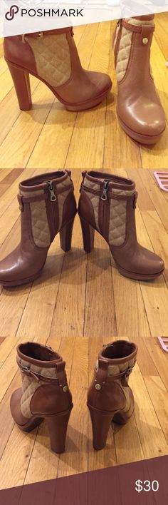 BCBG MAXAZRIA LEATHER HEEL BOOT WITH ZIPPER BCBG MAXAZRIA LEATHER HEEL BOOT WITH ZIPPER! Great for winter fall or whenever! Size 7! BCBGMaxAzria Shoes Ankle Boots & Booties
