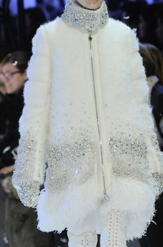 Moncler Gamme Rouge at Paris Fashion Week Fall 2013 - Details Runway Photos Cheap Designer Clothes, Discount Designer Clothes, Cheap Clothes, Clothes For Women, Discount Clothing, Cheap Clothing Stores, Cheap Clothing Websites, Inexpensive Clothing, Cheap Stores