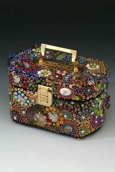 by Rebekah Hodous ~ 'Time' themed purse with vintage cabs, watch plates, vintage mother of pearl buttons, a wide variety of seed beads, s… Vintage Jewelry Crafts, Old Jewelry, Jewelry Art, Beaded Jewelry, Jewelry Making, Jewellery, Vintage Purses, Vintage Handbags, Vintage Hats