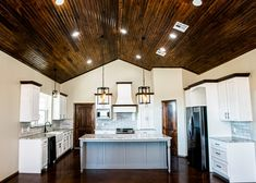 Amazing Oklahoma Barndominium - Pictures, Builder Info, Cost, and More Barn Homes Floor Plans, Metal Barn Homes, Small House Floor Plans, Pole Barn House Plans, Metal Building House Plans, Steel Building Homes, Build House, Building Ideas, Barndominium Pictures