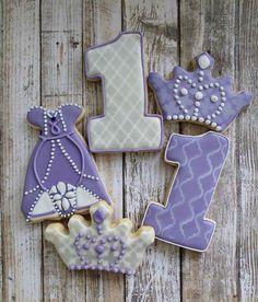 Beautiful Cupcakes, Cute Cupcakes, Cute Cookies, Cupcake Cookies, Sofia The First Cake, Sofia Cake, Iced Cookies, Sugar Cookies, Stenciled Cookies