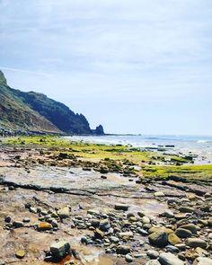Toda a luz da praia 💛 // INSTAGRAM #manhãsperfeitasblog  #praia #luz #lagos #algarve #portugal #verão #summer #beach #holidays #summertime #summercolors #beautifullight #summerdays #agosto #férias #click2inspire #instapics #portugal_passion #instagramar #portugalcomefeitos #23agosto2017 #portugalemclicks #landscape #sea #seacolors #mar #walkingonthebeach