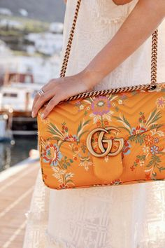 Today we are going to make a small chat about 2019 Gucci fashion show which was in Milan. When I watched the Gucci fashion show, some colors and clothings. Gucci Purses, Hermes Handbags, Satchel Handbags, Handbags Michael Kors, Louis Vuitton Handbags, Fashion Handbags, Purses And Handbags, Fashion Bags, Leather Handbags