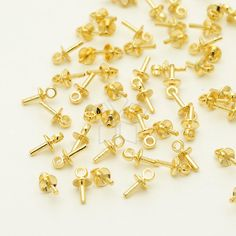 CP-058-GD / 20 Pcs  Tiny Mini Simple Bead Cap with Peg for