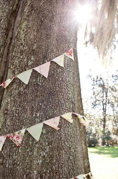 Southern Picnic Wedding Inspiration Shootretro, pastel, rustic, southern, picnic, shoot, Tallahassee, Florida - Lover.ly
