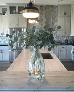 best diy farmhouse living room decor ideas for inovatif transitioning 94 Cheap Home Decor, Diy Home Decor, Eucalyptus Centerpiece, Farmhouse Vases, Cheap Vases, Home Decoracion, Kitchen Island Decor, Deco Floral, Vase Fillers