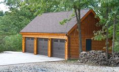 This detached garage that sits far back from the house is simply beautiful. A garage is a must to any home, especially those who have cars or automobiles. There are those who opted for a detached garage, because it has its Garage Plans With Loft, Garage Loft, Garage House, Garage Ideas, Car Garage, Garage Doors, Garage Studio, Garage Kits, Door Ideas