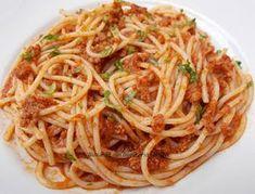 Spaghete cu sos de carne tocata Pasta Carbonara, Pizza Lasagna, Healthy Life, Spaghetti, Food And Drink, Health Fitness, Cooking Recipes, Dinner, Ethnic Recipes