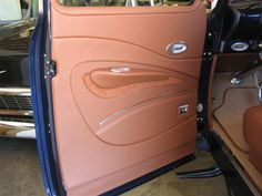 Car Interior Design, Truck Interior, Interior Ideas, Car Interior Upholstery, Custom Consoles, Chevy Pickups, Chevrolet Trucks, Shoe Box, Custom Cars