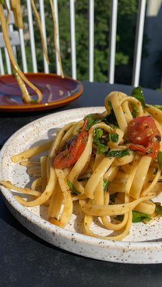 Vegetarian Recipes, Cooking Recipes, Healthy Recipes, Summer Pasta Recipes, Dinner Ideas, Dinner Recipes, Quick Weeknight Dinners, Tasty, Yummy Food