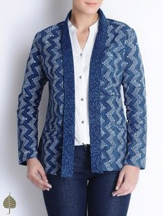 Natural Indigo-Ivory Bagru Printed Cotton Jacket by Jaypore Batik Blazer, Blouse Batik, Batik Dress, Kurti With Jacket, Jacket Dress, Short Kurti Designs, Filipiniana Dress, Kurta Patterns, Batik Fashion