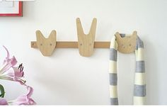 The Animals of Whittling Wood Coat Hooks - Sweet and stylish, this coat rack is perfect for the young and the young at heart. Maybe it will even encourage the little ones to tidy up too. Kids Bedroom Storage, Kids Storage, Intarsia Woodworking, Woodworking Projects, Kids Woodworking, Wood Hooks, Whittling Wood, Decoration Originale, Modern Kids