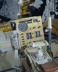 Apollo Spacecraft, Soyuz Spacecraft, Apollo Space Program, Nasa Space Program, Moon Missions, Apollo Missions, Nasa Space Pictures, Programa Apollo, All About Space