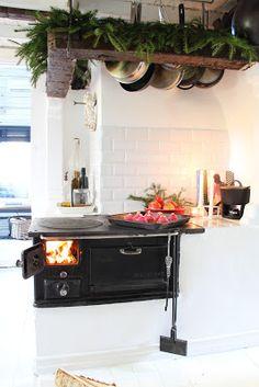 I like that cast iron fondue burner pot combo.