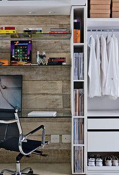 Reserve um pedacinho do armário para organizar papéis e documentos. Assim eles não correm o risco de ficar largados sobre a mesa de jantar