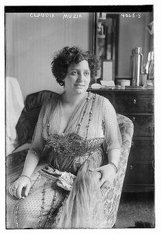 Claudia Muzio (LOC)1915
