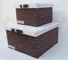 Caixas  de mdf forradas com tecido 100% algodão.  Caixa 1: 15x15x11  Caixa 2: 22x22x13  Guarde suas coisas com organização e delicadeza!...