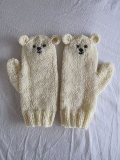Polar bear mittens very soft pure wool. I love my mittens :) Knitting For Kids, Knitting Projects, Baby Knitting, Crochet Projects, Knitting Patterns, Knit Mittens, Knitted Gloves, Baby Mittens, Wrist Warmers