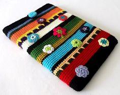 Risultati immagini per crochet bird purse charm Crochet Ipad Cover, Crochet Phone Cases, Crochet Pouch, Crochet Purses, Crochet Hooks, Crochet Birds, Love Crochet, Crochet Crafts, Single Crochet
