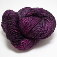 A super-soft blend of merino cashmere and nylon this wonderful yarn from Zen Yarn Garden is perfect for everything from luxurious socks, extra special garments or intricate shawls. 70% Superwash Merin