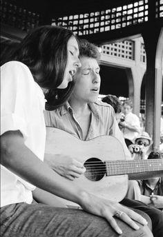 bob dylan and joan baez - newport folk festival - 1963 - photo by rowland scherman