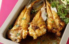 Πεσκανδριτσα στο φουρνο......Ένα ψάρι είναι ό,τι πρέπει... ειδικά αν είναι νοστιμοφτιαγμένο. Gluten Free Diet, Fish And Seafood, Tandoori Chicken, Fish Recipes, Chicken Wings, Clean Eating, Paleo, Cooking Recipes, Meals