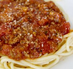 how to make spaghetti sauce with frozen whole tomatoes