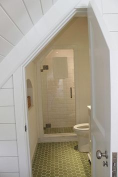 If you are looking for Small Attic Bathroom Design Ideas, You come to the right place. Below are the Small Attic Bathroom Design Ideas. Small Attic Bathroom, Attic Bedroom Small, Attic Bedroom Designs, Attic Design, Upstairs Bathrooms, Attic Rooms, Attic Spaces, Bedroom Modern, Master Bathroom