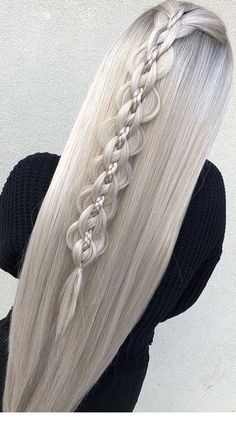 This winter you will rock with these braids! This winter you will rock with these braids! Best Wedding Hairstyles, Curled Hairstyles, Pretty Hairstyles, Girl Hairstyles, Teenage Hairstyles, Hairstyles Videos, Hairstyles 2018, Hairstyles Pictures, Everyday Hairstyles