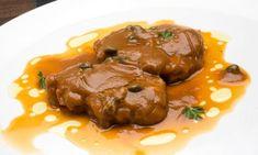 Bruno Oteiza prepara un plato de lengua rebozada en salsa con alcaparras, un plato sencillo y nutritivo. Colombian Cuisine, Feeling Hungry, Steak, Beef, Plates, Cooking, Recipes, Food, Tapas