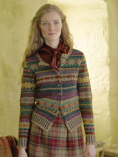 Knitted in Felted Tweed and designed by Marie Wallin knit the Orkney. Fair Isle Knitting Patterns, Fair Isle Pattern, Estilo Fashion, Fashion Moda, Laine Rowan, Tweed, Only Cardigan, Pull Jacquard, Costumes