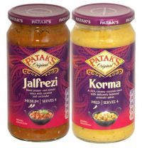 Pataks Curry Sauce In A Jar 500g  A rich, creamy sauce with delicately balanced aromatic Spices. Whether you like hot or mild curry, pataks curry sauce are a real family favourite.  Suitable for vegetarians Allergy Other Text: May contain traces of peanut and tree nuts May Contain: Peanuts, Dairy and Mustard