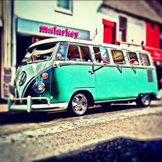 I would love to go on a roadd trip with my bestfriend in this Vintage VW Camper Van