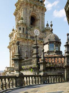 Visita a las cubiertas de la Catedral de Santiago cvon Viajes Viloria y Galicia Incoming: http://www.galiciaincoming.com/paquete/visita-a-las-cubiertas-de-la-catedral