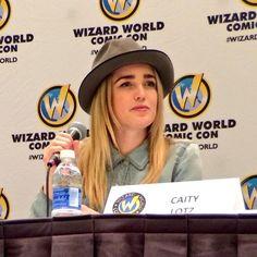 Caity Lotz #WizardWorld