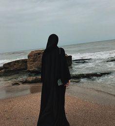 Mode Abaya, Mode Hijab, Hijabi Girl, Girl Hijab, Beautiful Girl Photo, Beautiful Hijab, Girl Photo Poses, Girl Photography Poses, Stylish Hijab