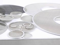 There are several various sizes of extruder discs.