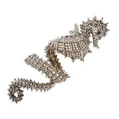 Sea horse ring.  LOVE IT!!!  ELISE DRAY - Ring - colette