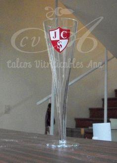 Calco vitrificable a dos colores para vidrio del logo del Jockey Club de Salta.