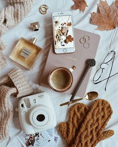 - KATE LA VIE - Flatlay Inspiration · via Custom Scene ·Autumn flatlay on sheet background with cosy mittens and autumn leaves Gift Guide: Stocking Fillers.