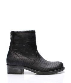 a1701736c4b1 Černé italské kožené kotníkové boty s dírkováním V C