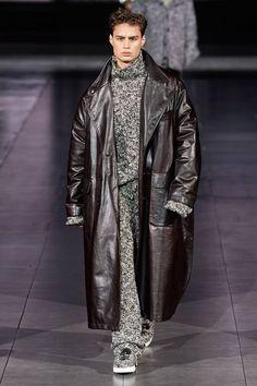 Dolce & Gabbana Autumn/Winter 2020 | British GQ Men Fashion Show, Best Mens Fashion, Fashion Show Collection, Fashion Week, Men's Fashion, Milan Fashion, Fashion Tips, Dolce & Gabbana, Vogue Paris