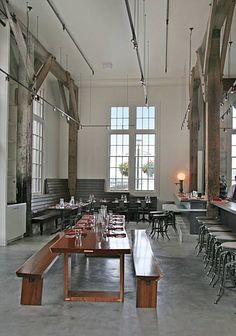 Lafitte restaurant on the Embarcadero in San Francisco. Interior Architecture, Interior And Exterior, Interior Design, Cafe Restaurant, Restaurant Design, Cafe Seating, Communal Table, Bar Design Awards, Cafe Bistro