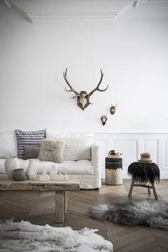 ゝ。Living Room Decor.。